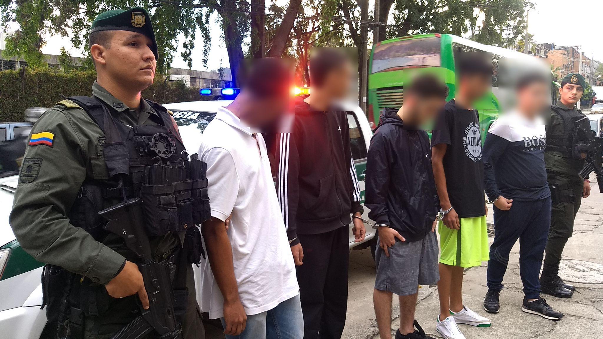 Operaci n perseo contra el grupo colegiado la oficina polic a nacional de colombia - Oficina policia nacional ...